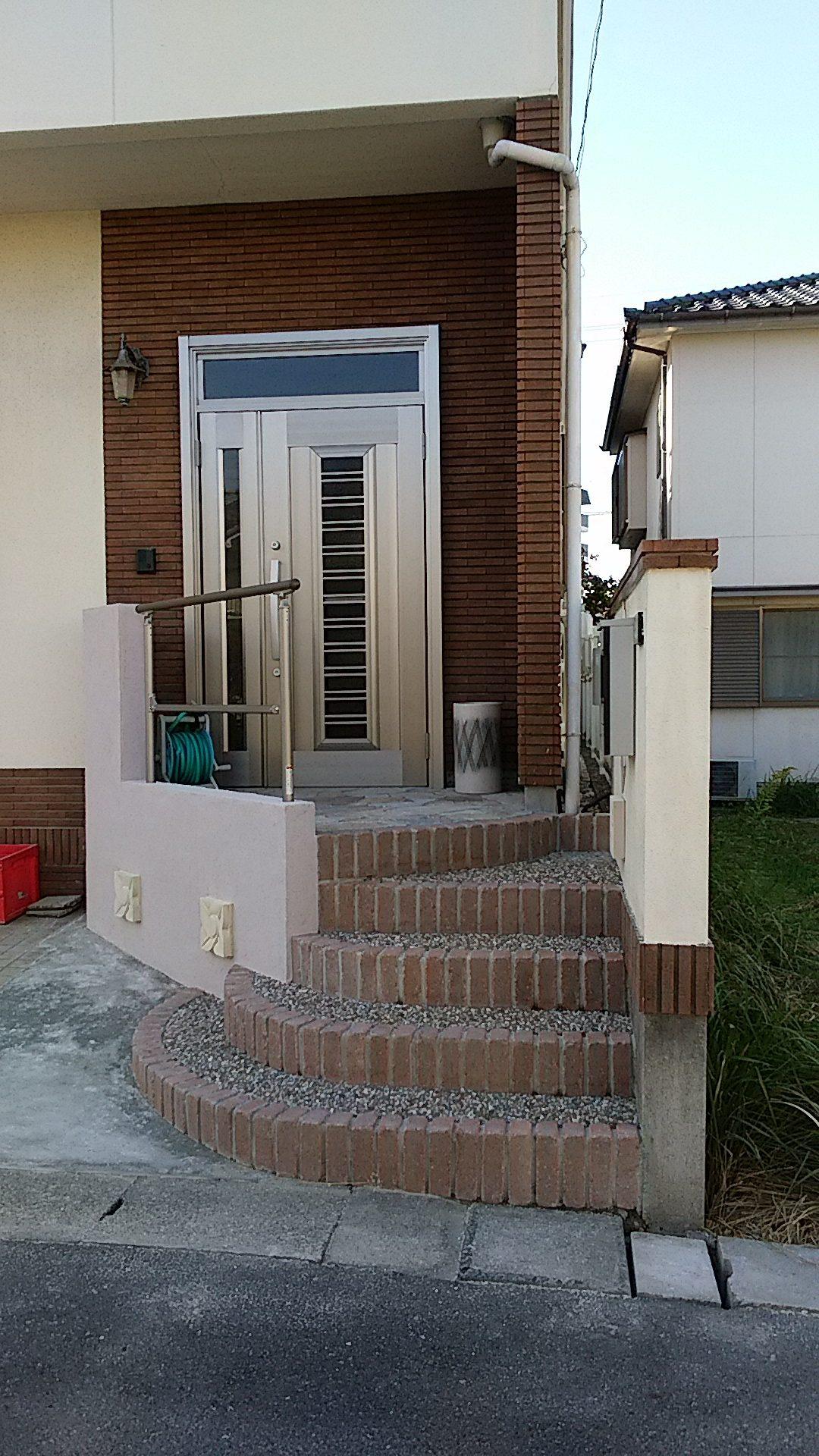 玄関のリフォームで家全体が明るくなりました!!